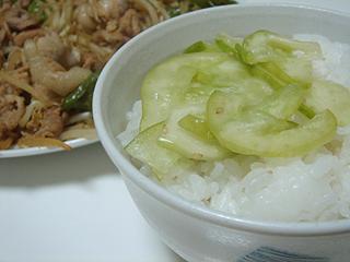 豚肉と万願寺唐辛子のにんにく醤油炒め_c0025217_001061.jpg