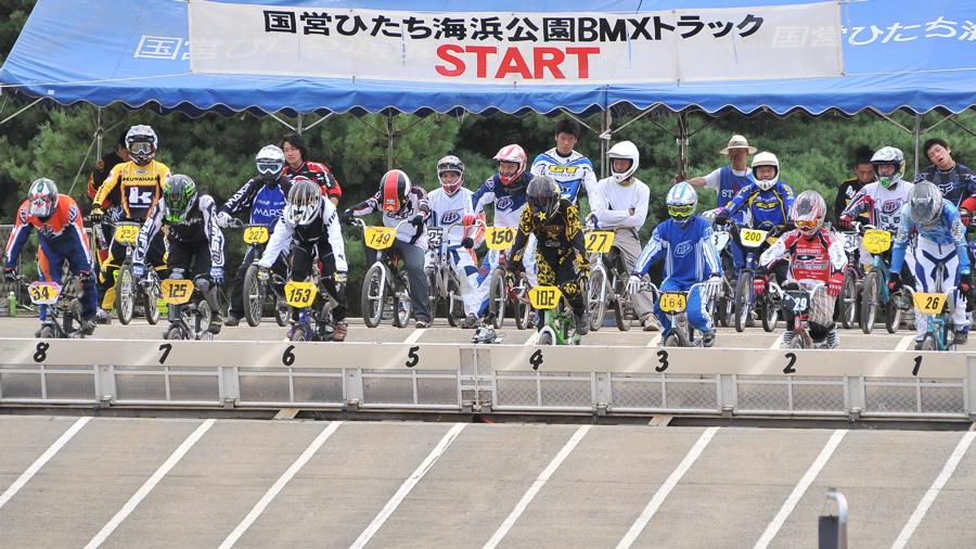2009JBMXFジャパンシリーズ第3戦ひたち大会VOL11:メン17−29、30オーバー決勝_b0065730_20285057.jpg