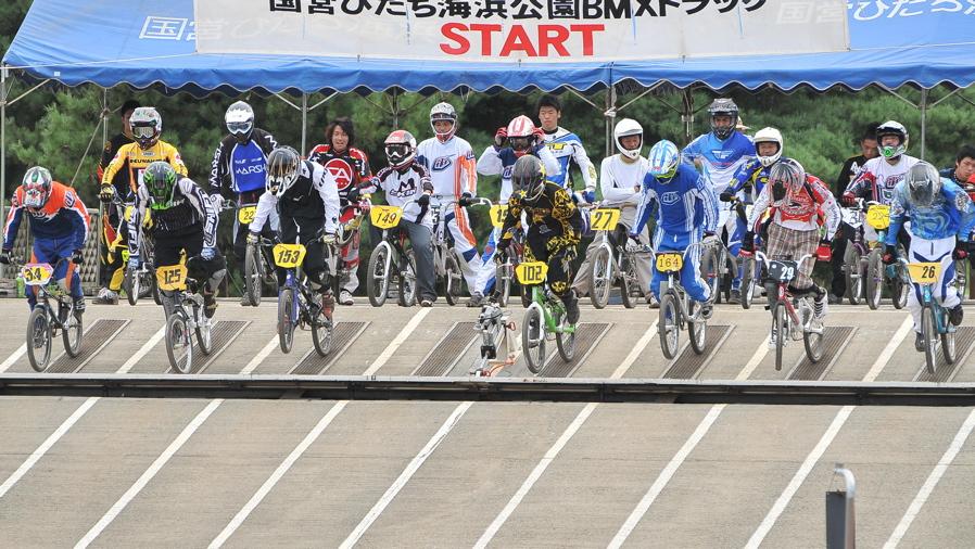 2009JBMXFジャパンシリーズ第3戦ひたち大会VOL11:メン17−29、30オーバー決勝_b0065730_20292023.jpg