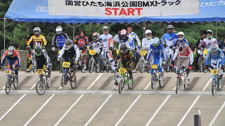 2009JBMXFジャパンシリーズ第3戦ひたち大会VOL11:メン17−29、30オーバー決勝_b0065730_20293318.jpg