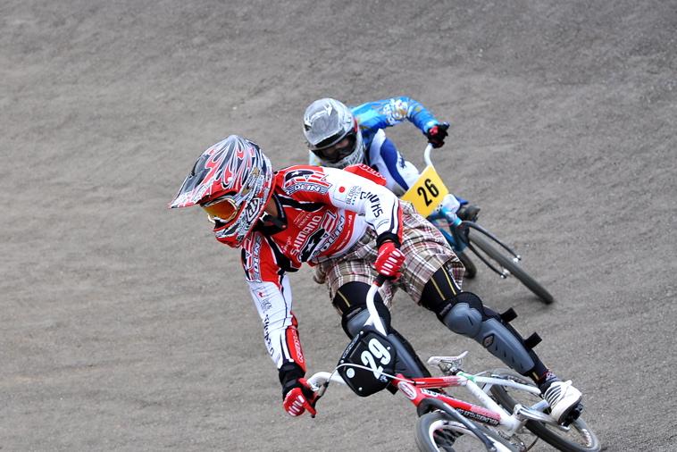 2009JBMXFジャパンシリーズ第3戦ひたち大会VOL11:メン17−29、30オーバー決勝_b0065730_20355835.jpg