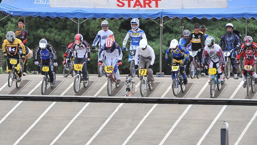 2009JBMXFジャパンシリーズ第3戦ひたち大会VOL11:メン17−29、30オーバー決勝_b0065730_20391828.jpg