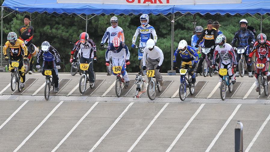 2009JBMXFジャパンシリーズ第3戦ひたち大会VOL11:メン17−29、30オーバー決勝_b0065730_20393298.jpg