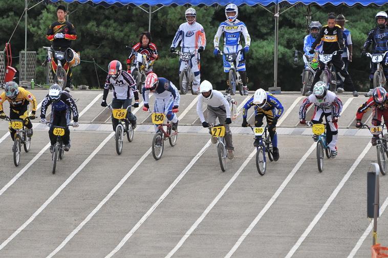 2009JBMXFジャパンシリーズ第3戦ひたち大会VOL11:メン17−29、30オーバー決勝_b0065730_20394526.jpg