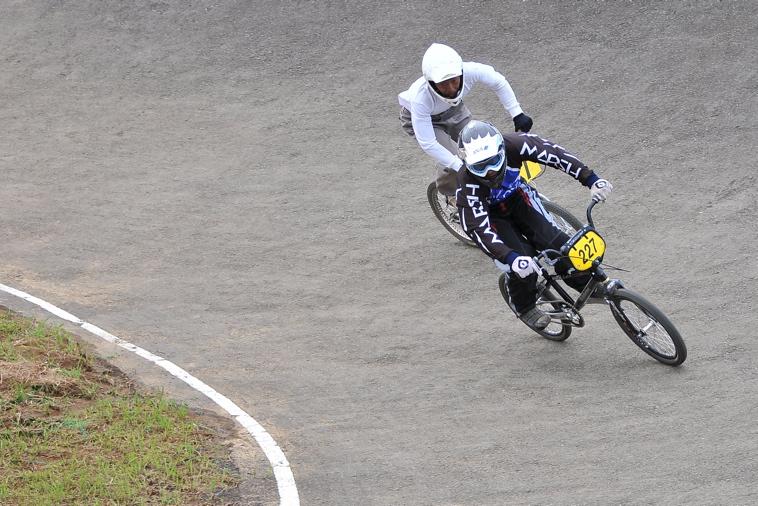 2009JBMXFジャパンシリーズ第3戦ひたち大会VOL11:メン17−29、30オーバー決勝_b0065730_2046297.jpg