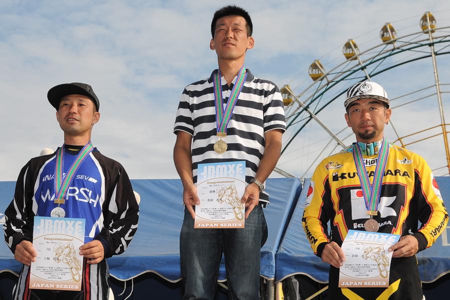 2009JBMXFジャパンシリーズ第3戦ひたち大会VOL11:メン17−29、30オーバー決勝_b0065730_2048629.jpg