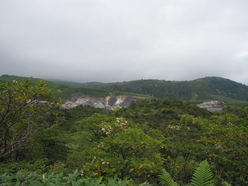殺生河原~万代鉱ハイキングコース_a0057828_1916543.jpg