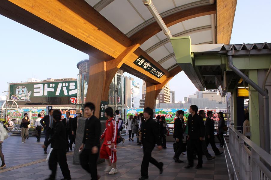 ゴールデンスランバーロケ地          仙台駅東口_a0107574_2114677.jpg