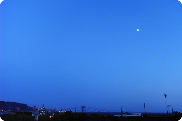 鎌倉夜景、車窓より_b0000608_23234683.jpg