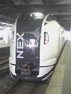 E259系の試運転_e0013178_1026922.jpg