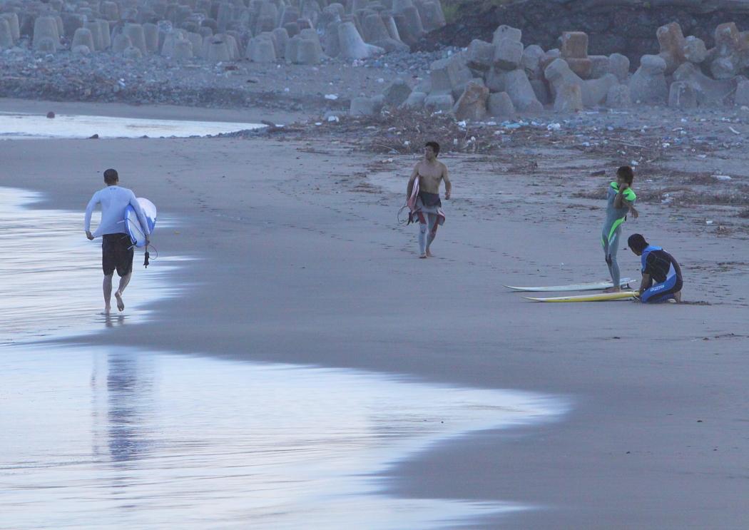 The Surfer  <2>  PM17:30_e0143883_18314142.jpg
