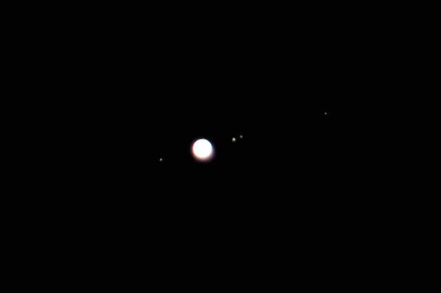 若セミのミニホバ/鳥撮り設備で月と木星を_b0024798_1031091.jpg