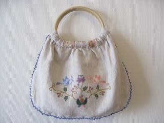 刺繍教室講師 uzumさんのご紹介です・・・♪_f0168730_11245749.jpg