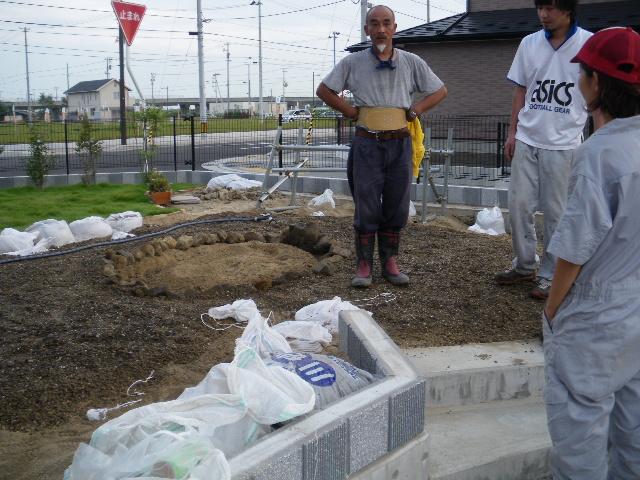 日本庭園基礎作り_c0186441_23592194.jpg