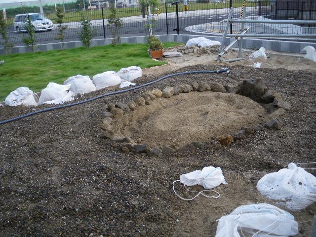 日本庭園基礎作り_c0186441_23594284.jpg
