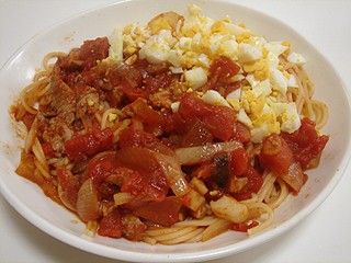 豚肉とゆで卵のトマトソーススパゲティ_c0025217_21115654.jpg