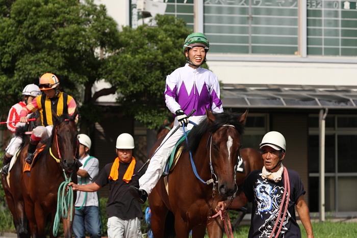 2009年8月10日(月) 高知競馬 2R D8 記者選抜 パドック_a0077663_784721.jpg