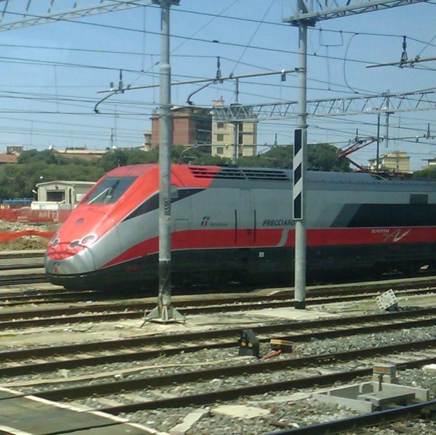 イタリアの電車_f0192307_21483917.jpg