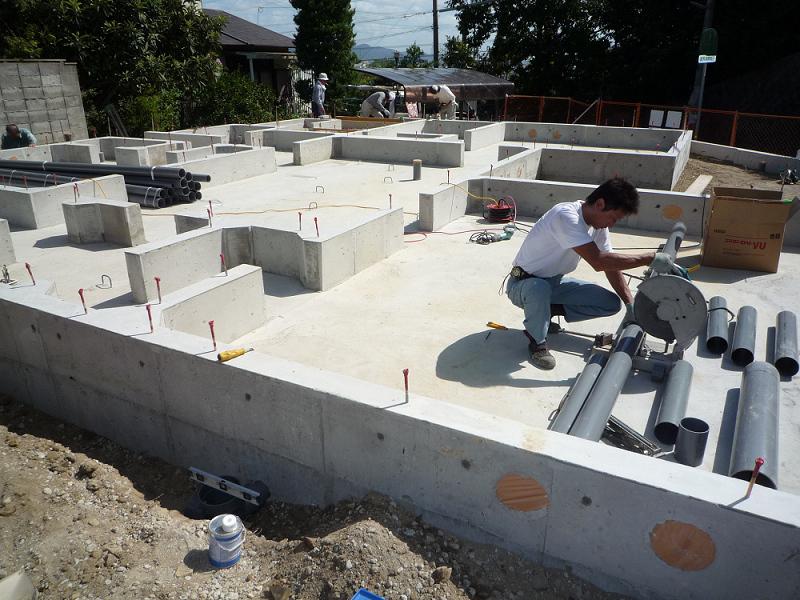 C様邸 給排水設備工事 外部先行配管_b0171510_1840434.jpg