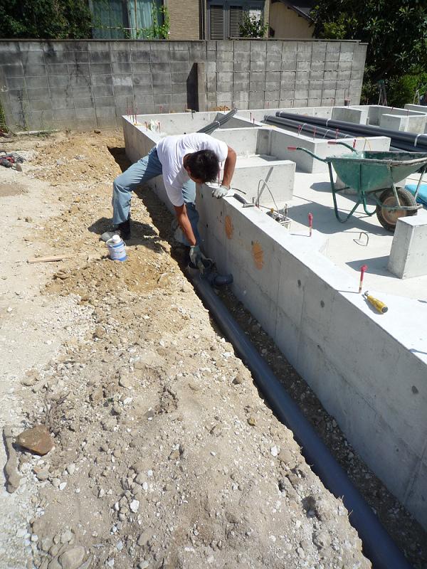 C様邸 給排水設備工事 外部先行配管_b0171510_18412752.jpg