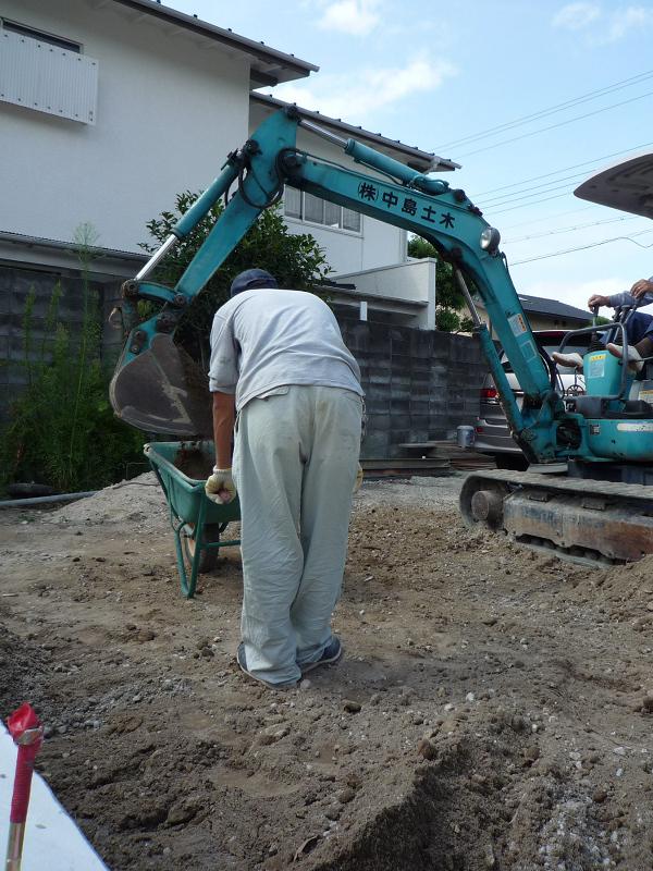 C様邸 基礎工事 脱枠、天端検査、埋め戻し_b0171510_1936583.jpg