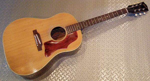 Percussive Soundの「1965年製 Gibson J-50」が入荷!_e0053731_17404546.jpg