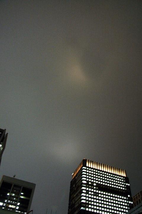 思い立ったらすぐ撮ろう。昨夜の空と今朝の東京駅。_b0006870_1246873.jpg