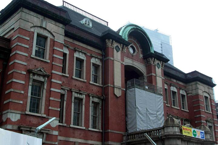 思い立ったらすぐ撮ろう。昨夜の空と今朝の東京駅。_b0006870_1382580.jpg