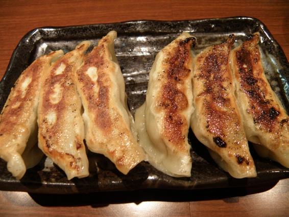 麺屋・五島のとんとん麺+ギョウザ!_f0053279_1526229.jpg