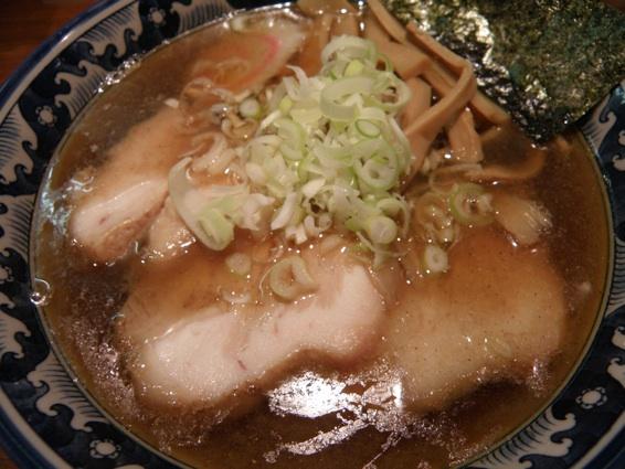 麺屋・五島のとんとん麺+ギョウザ!_f0053279_1526895.jpg