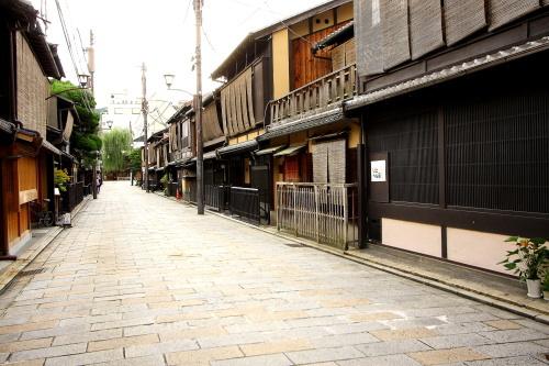 大人の京都・・・白川南通り_e0155066_1932692.jpg