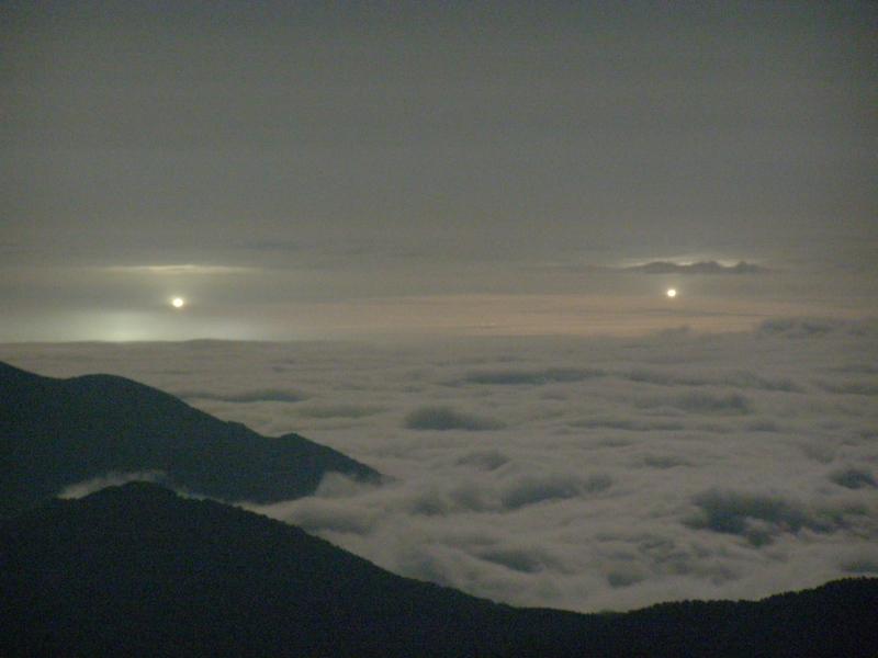 夜の雲海_f0075075_18195847.jpg