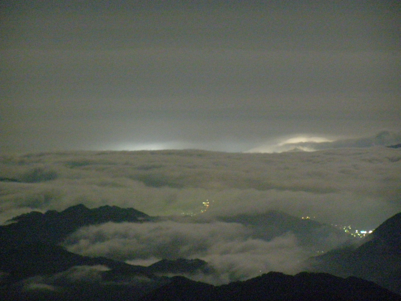 夜の雲海_f0075075_18212040.jpg