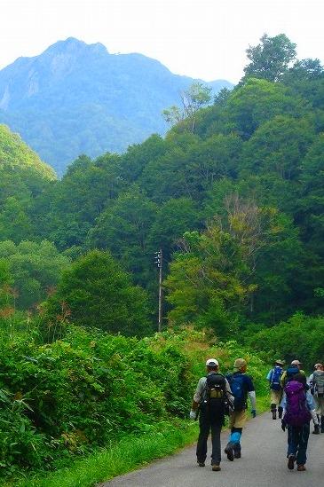 <2009年8月27~28日>フォッサマグナの名峰「雨飾山」(信越国境・頚城)_c0119160_21213553.jpg