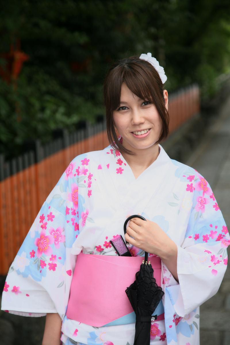 祇園にて かぐやさん_f0021869_2322289.jpg