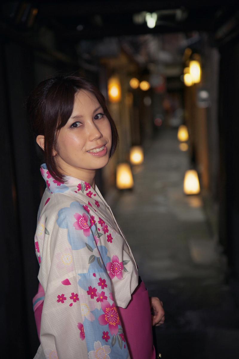 祇園にて かぐやさん_f0021869_23255251.jpg