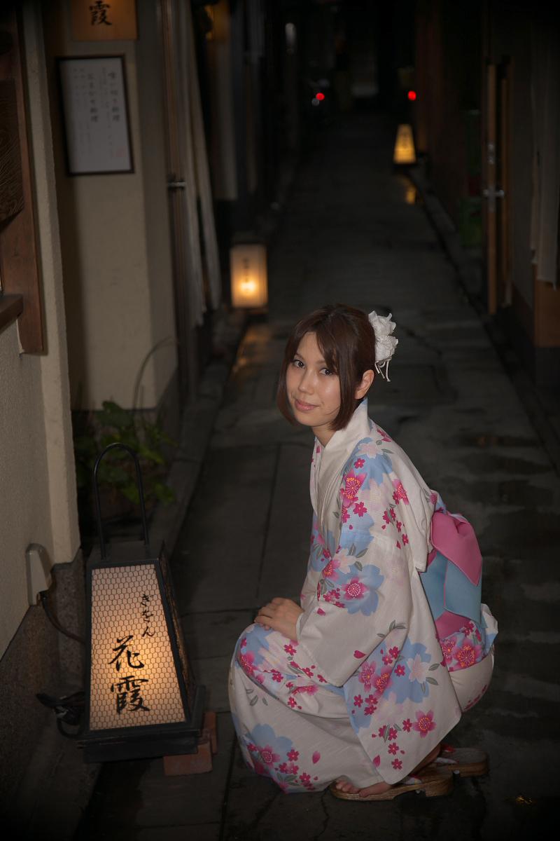 祇園にて かぐやさん_f0021869_23264638.jpg