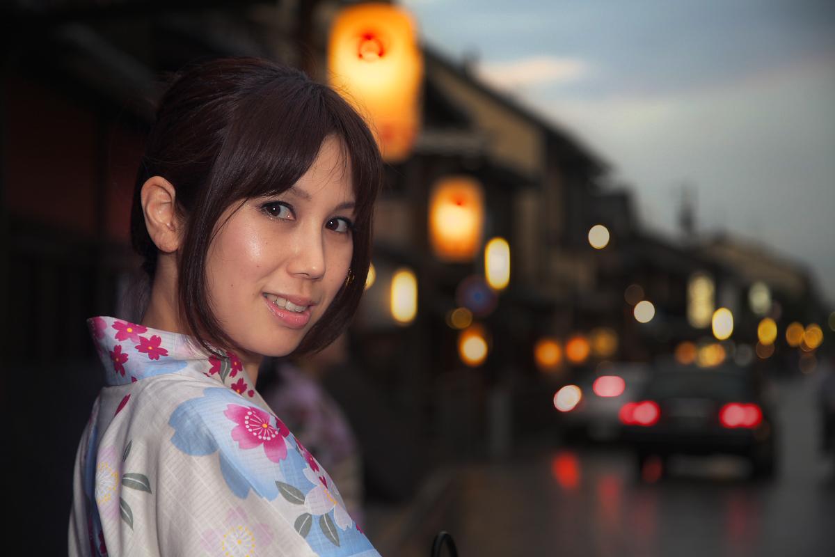 祇園にて かぐやさん_f0021869_23283139.jpg