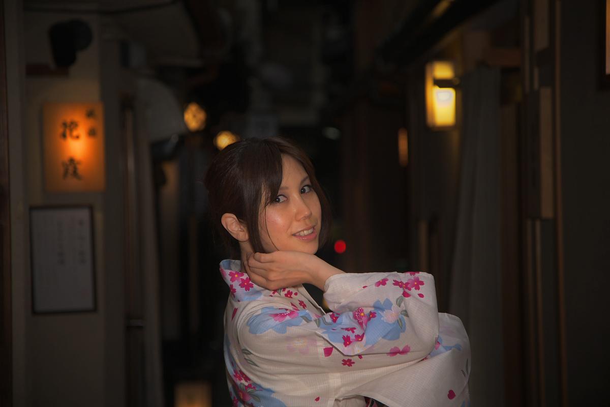 祇園にて かぐやさん_f0021869_2328876.jpg