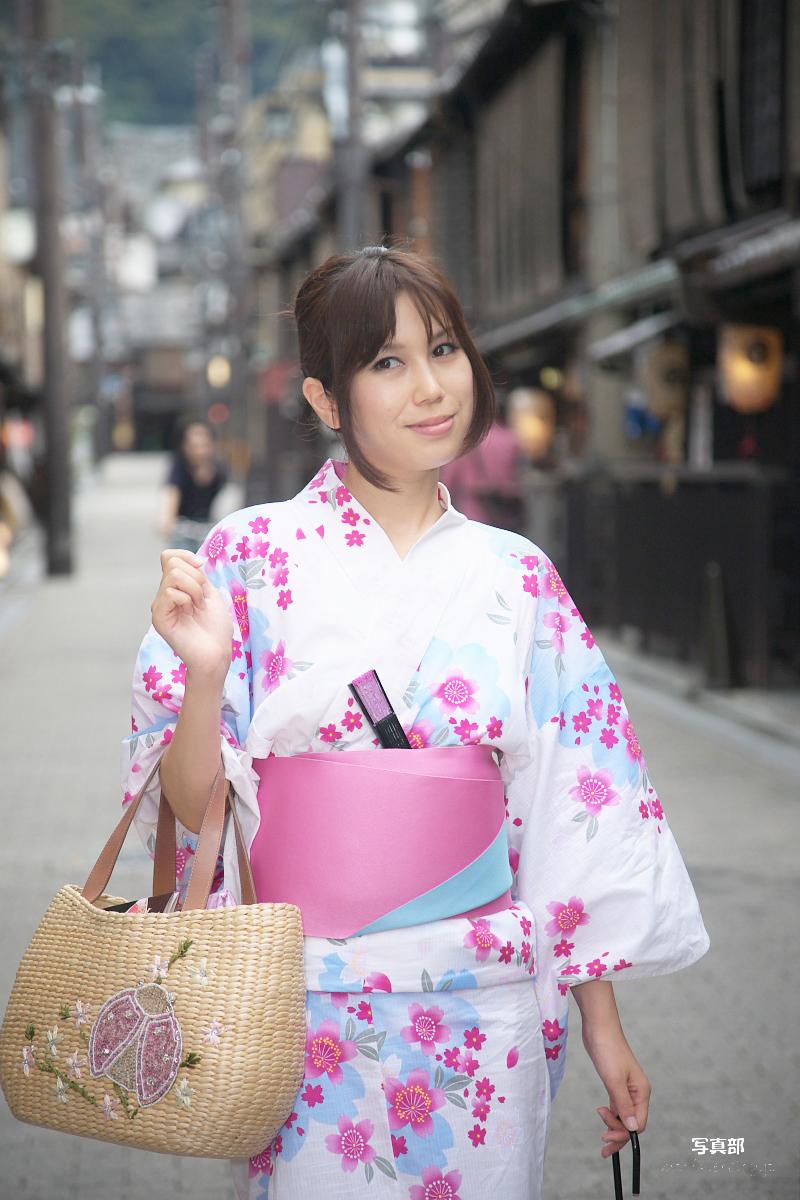 祇園にて かぐやさん_f0021869_23325890.jpg