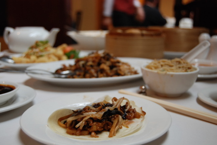 ダウンタウンの麒麟中華レストランが改装工事に入るって!_d0129786_1259568.jpg