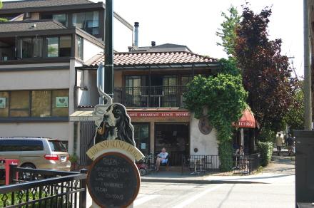 ダウンタウンの麒麟中華レストランが改装工事に入るって!_d0129786_14131754.jpg