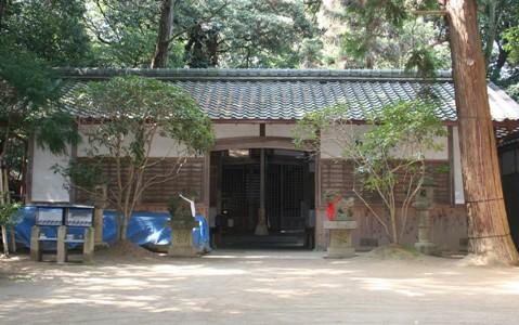 神社拝殿_c0105163_1055123.jpg