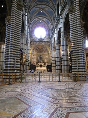 賑やかな大聖堂~古都シエナ_f0106597_1321553.jpg