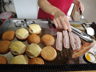 本場、佐世保バーガーのお店はココ!!_e0166301_1629219.jpg