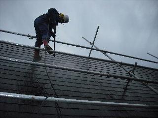 屋根塗装・初日_f0031037_21292098.jpg