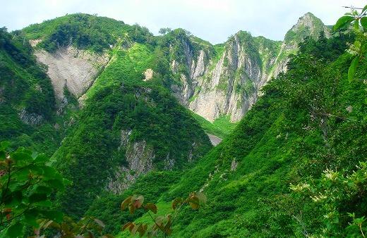 <2009年8月27~28日>フォッサマグナの名峰「雨飾山」(信越国境・頚城)_c0119160_5562152.jpg