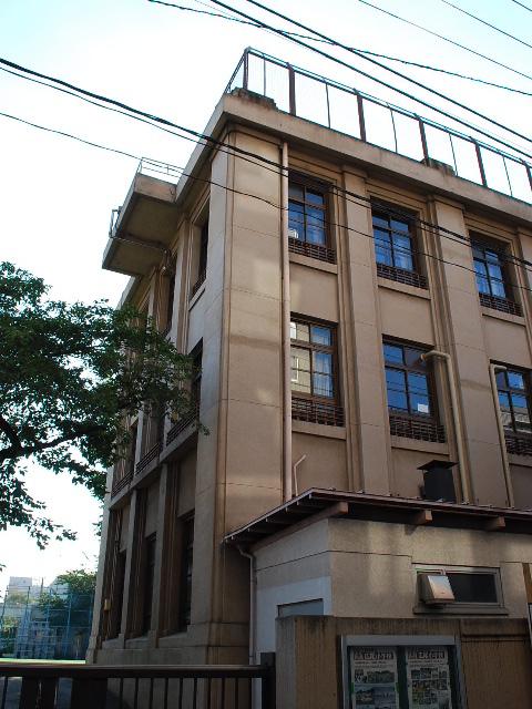 東京都渋谷区立広尾小学校(昭和モダン建築探訪)_f0142606_023027.jpg