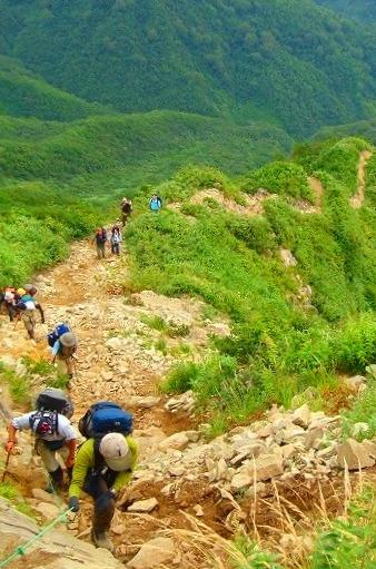 <2009年8月27~28日>フォッサマグナの名峰「雨飾山」(信越国境・頚城)_c0119160_004786.jpg
