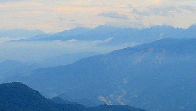 <2009年8月27~28日>フォッサマグナの名峰「雨飾山」(信越国境・頚城)_c0119160_061963.jpg